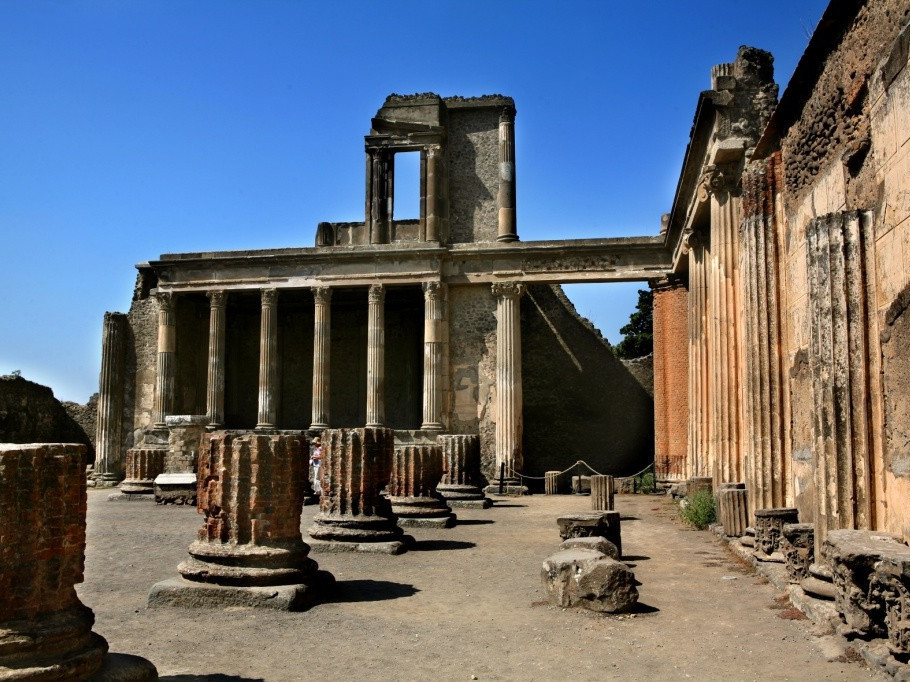 Tour Pompei e Costiera amalfitana  | Star cars luxury tours