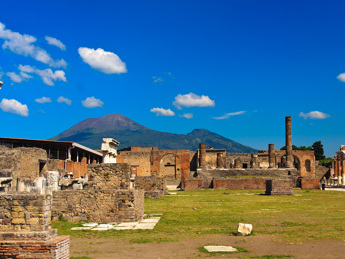 Pompeii, Herculaneum, wine tasting tour | Star cars luxury tours