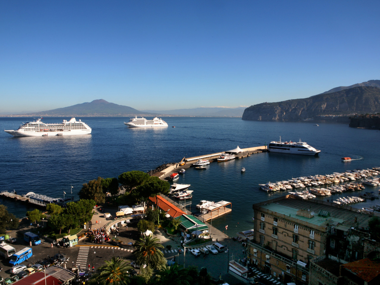 Escursioni dal porto di Sorrento | Star Cars lxury tours Amalfi coast
