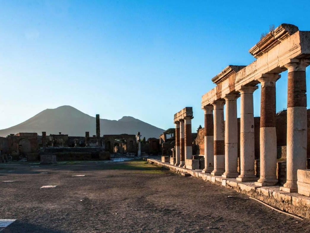 Pompeii, Herculaneum, wine tasting shore excursion | Star cars  tours